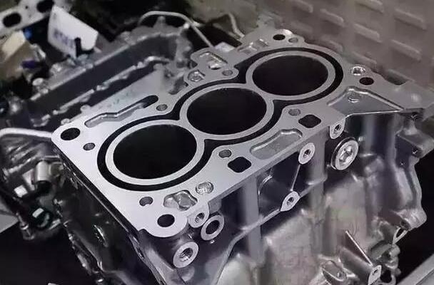 汽车三气缸机和气四缸的区别